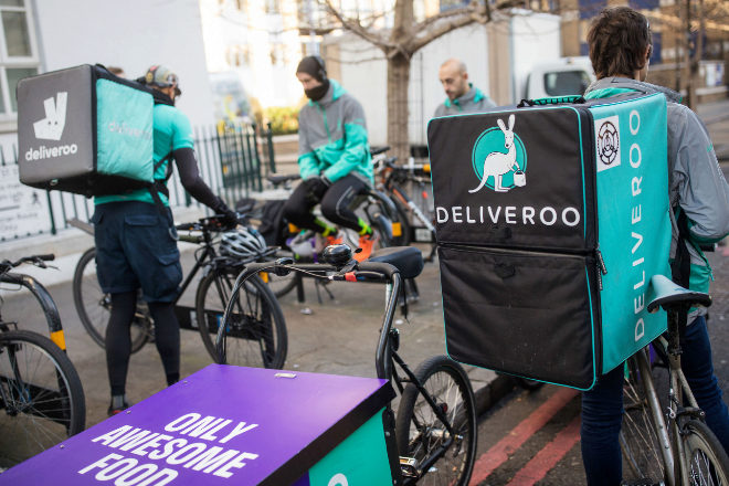 Deliveroo, ante el dilema de abandonar España tras la nueva Ley de los 'riders'