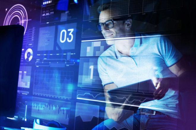 El de ingeniero jefe de software es uno de los perfiles en remoto mejor remunerados para trabajar en una 'start up' (120.000 euros anuales).