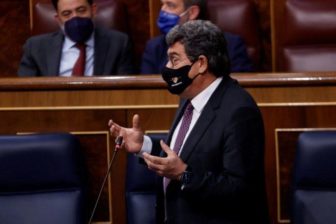 El ministro de Seguridad Social, José Luis Escrivá, ayer, en el Congreso de los Diputados.
