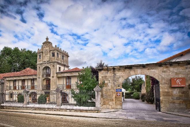 Cenador de Amós, en Villaverde de Pontones (Cantabria), reabrió el 7 de mayo.