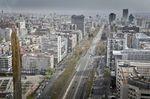 Madrid cae un 4,9% este año pero lidera la recuperación en 2022