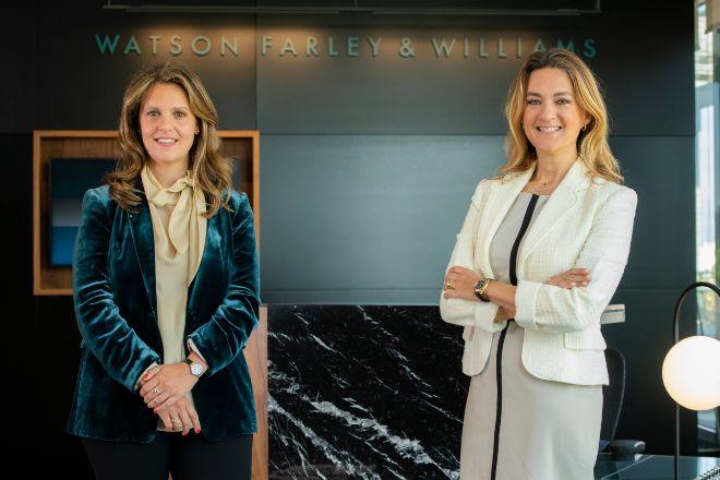 Victoria Truchuelo, socia de Watson Farley Williams, y María Pilar García, socia directora de la firma en España