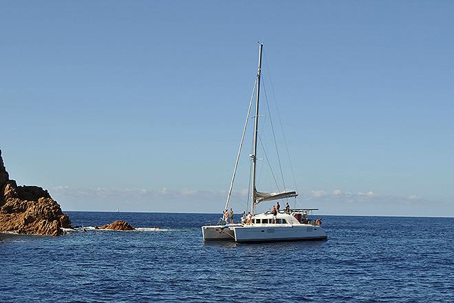 El catamarán es la mejor opción para navegar en familia.