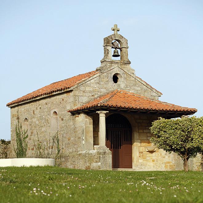La ermita del siglo XVI que pertenece al Palacio de Luces.