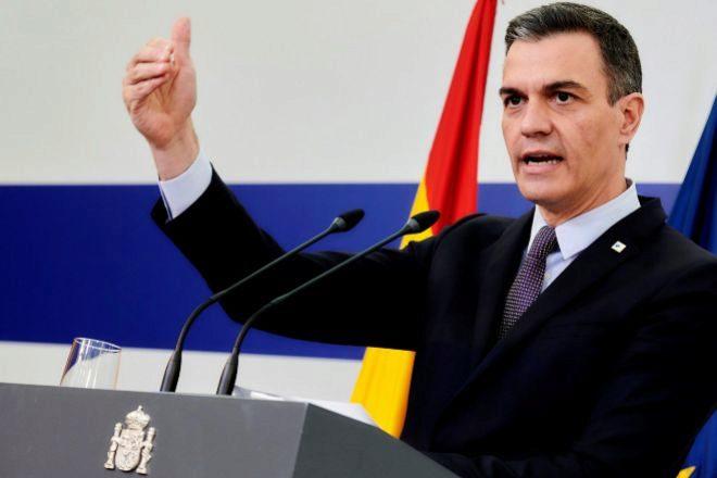 El presidente de Gobierno, Pedro Sánchez, durante su rueda de prensa de ayer tras participar en la reunión extraordinaria del Consejo Europeo en Bruselas.