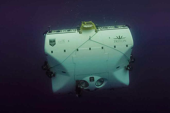 Imagen del DSV Limiting Factor bajo el agua. El vehículo fue presentado en 2018.