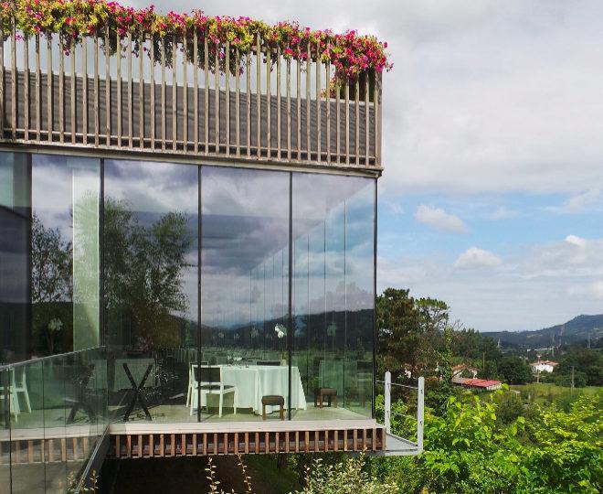 Azurmendi, sede bioclimática de Eneko Atxapremiada por '50 Best', Michelin y Guía Repsol.