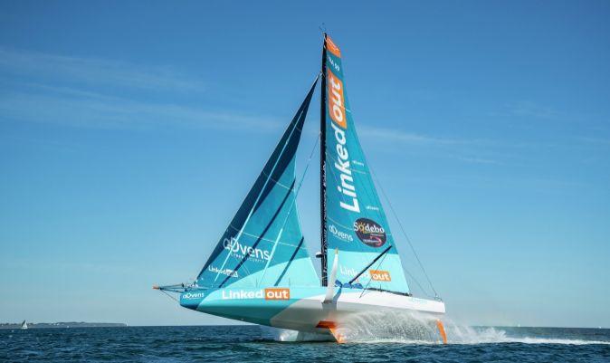 El LinkedOut, barco IMOCA de Thomas Ruyant, durante un entrenamiento. | PIERRE BOURAS / THE OCEAN RACE EUROPE