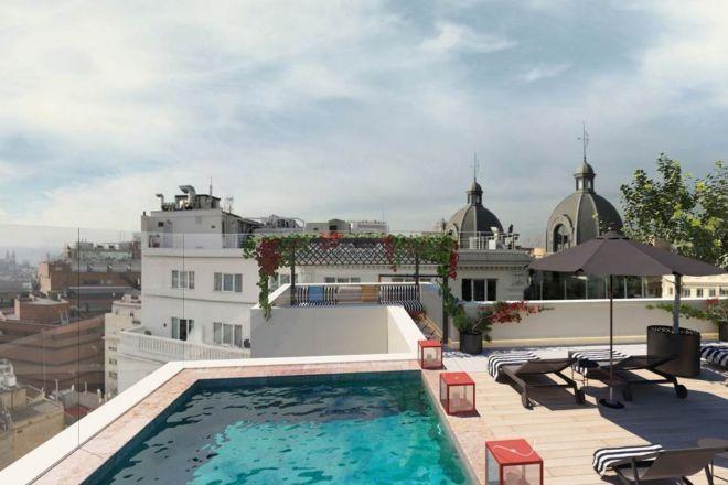 La terraza con piscina y vistas 360º de la ciudad.