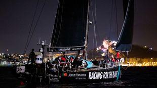 El VO65 Mirpuri Foundation Racing Team, a su llegada a Alicante. |...
