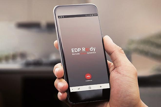 Los paneles solares se monitorizan a través de una app para optimizar el gasto.
