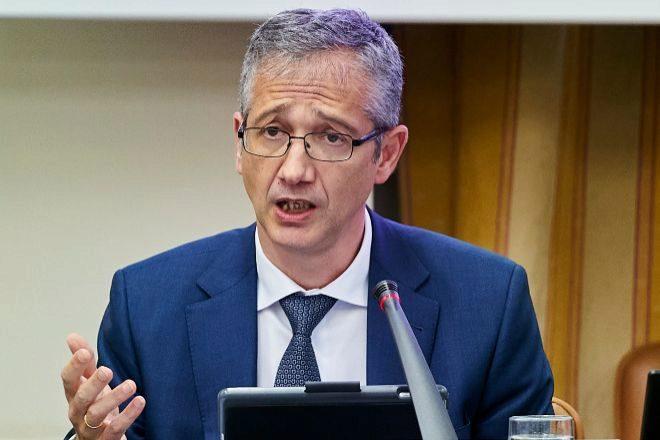 Pablo Hernández de Cos, gobernador del Banco de España, dirige el Comité de Basilea.