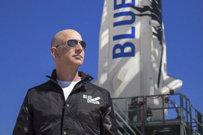 28 millones de dólares para acompañar a Bezos en su viaje al espacio