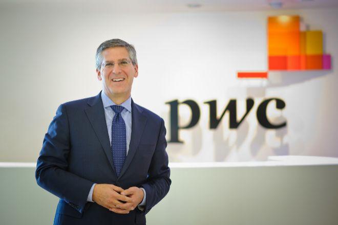 Robert Moritz, presidente de PwC.