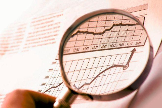 Tres valores españoles con negocio sólido que subirán más de un 10% con la recuperación