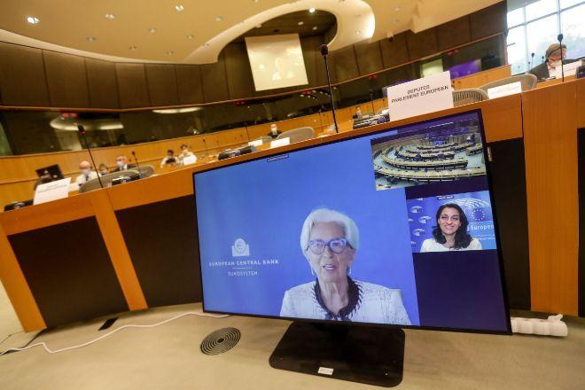 La presidenta del BCE, Christine Lagarde, durante su intervención ante el comité de asuntos económicos del Parlamento Europeo.