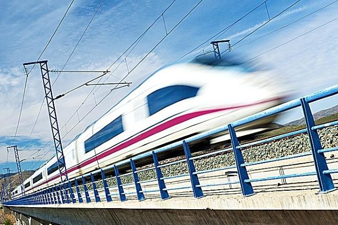 El tren, llamado a jugar un papel clave en el transporte de personas y mercancías
