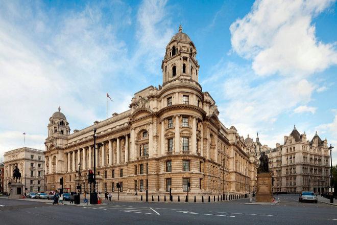 """Old War Office, con una elegante fachada """"Eduardiana"""" con vistas a Whitehall, se sitúa a poca distancia de la Abadía de Westminster, del 10 de Downing Street."""