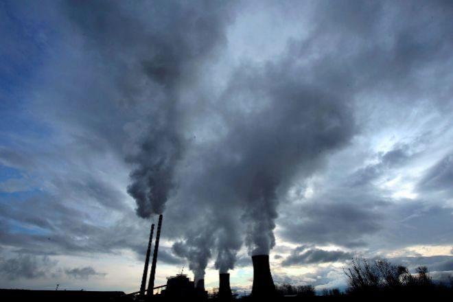 Vista de la planta térmica de carbón en Bitola, Macedonia.