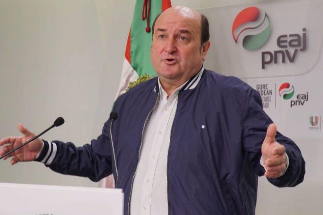 El presidente del PNV, Andoni Ortuzar, cree que los indultos son necesarios para iniciar el diálogo.