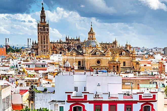 El comprador con alto poder adquisitivo sigue comprando en 2021 en Sevilla.