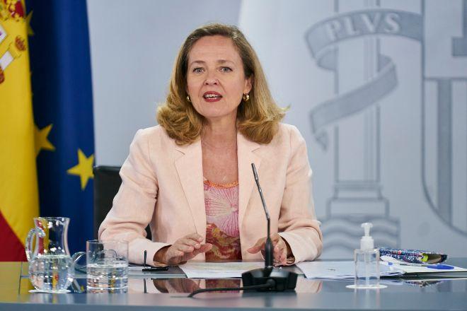La vicepresidenta segunda y ministra de Asuntos Económicos y Transformación Digital, Nadia Calviño, ayer durante la rueda de prensa posterior al Consejo de Ministros.