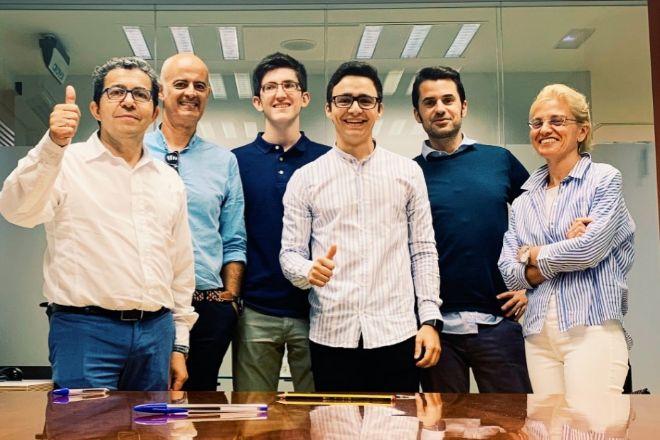 Equipo de Hobeen, firma que comercializa un 'kit' inteligente para ahorrar energía.