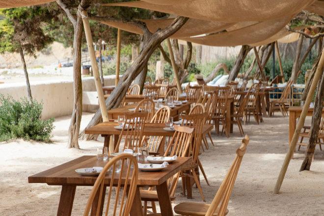 Casa Jondal, comedor en la playa de Rafa Zafra en Cala Jondal.