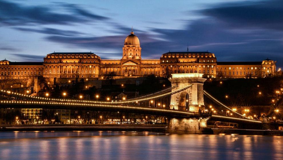 Hungría abre sus fronteras a los turistas europeos
