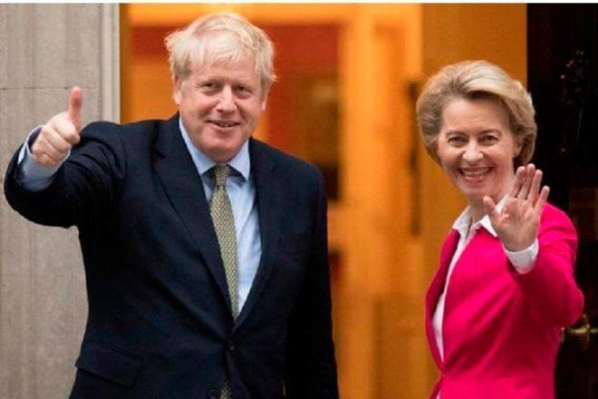 Ursula von der Leyen, presidenta de la Comisión Europea, y Boris Johnson, primer ministro británico, durante una reunión en el 10 de Downing Street en enero de 2020.
