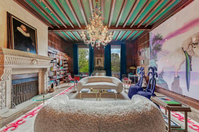 La propiedad es una de las pocas joyas arquitectónicas de principios del siglo XX que aún permanece en manos privadas.