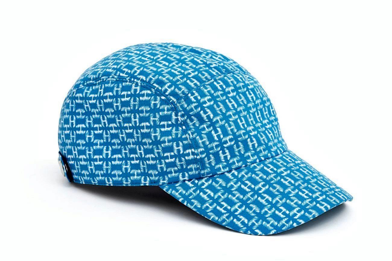 La gorra es el nuevo sombrero del verano y todas las marcas lo saben....