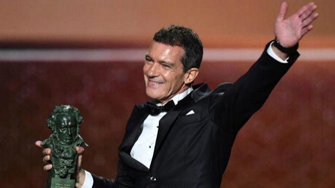 """El actor durante la 34ª edición de los Premios Goya (2020) en la que fue premiado por su trabajo en la cinta de Almodóvar '<a href=""""https://www.expansion.com/cine-y-series/peliculas/2019/03/22/5c94fc9422601d84508b4600.html"""" target=""""_blank"""">Dolor y gloria</a>'."""