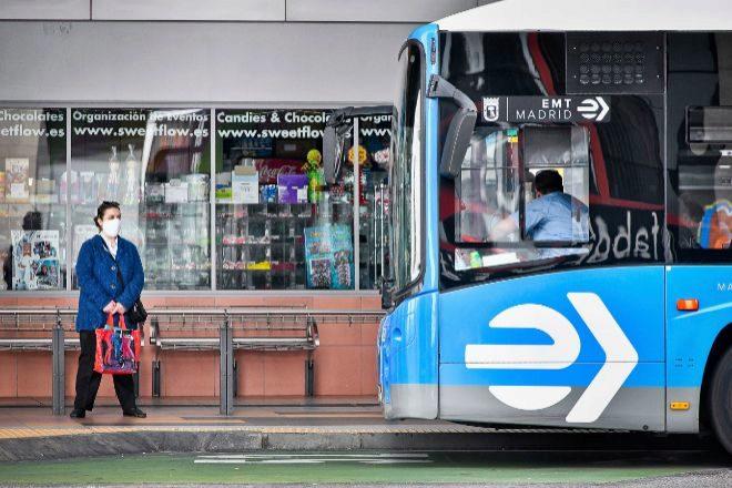 Madrid rebajará las tarifas del abono transporte en los pueblos más alejados de la capital