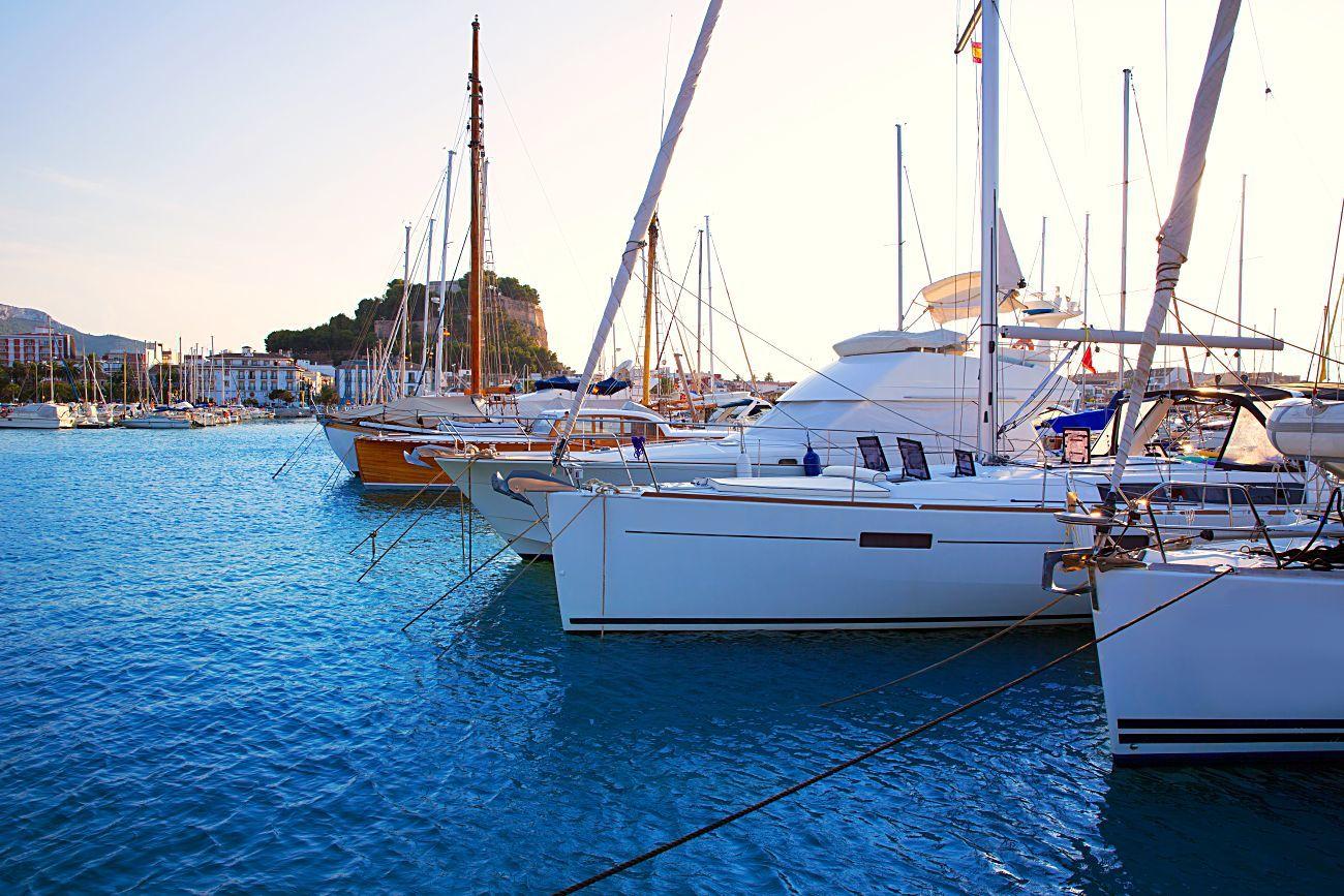 Puerto de Dénia, una de las localidades de la península más demandada para alquilar un barco.
