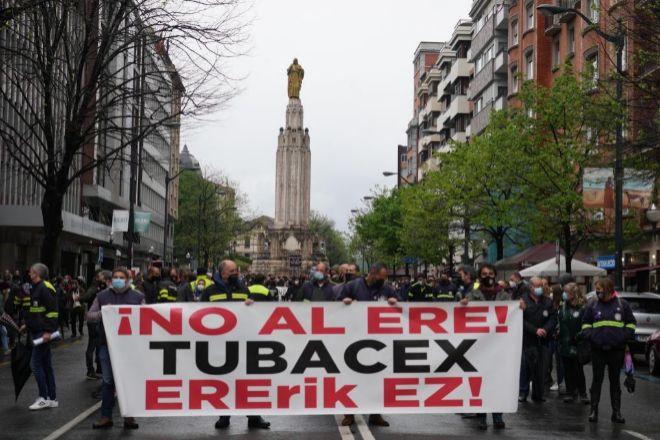 Manifestación en Bilbao contra el ERE en Tubacex.