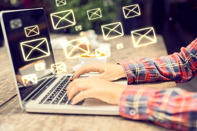 Tras una denuncia anónima es legal leer el email de un trabajador