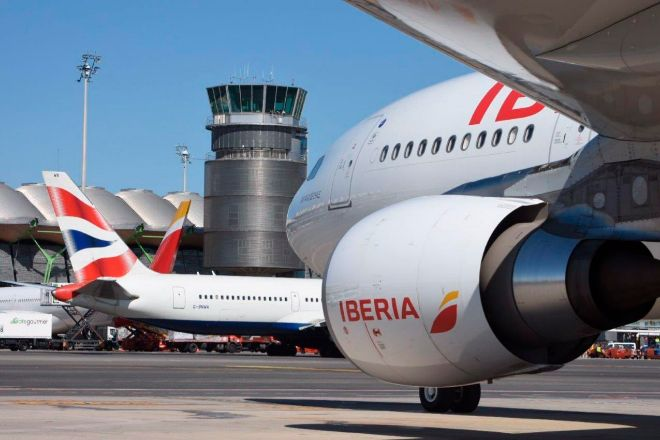 Aviones de Iberia y British Airways.