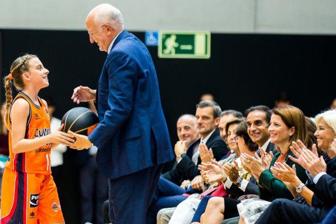 Juan Roig impulsa la formación deportiva en L'Alquería de Basket.