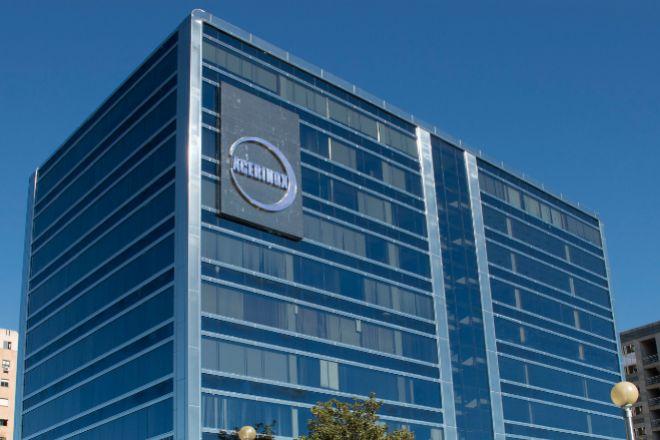 El acero inoxidable, utilizado en la construcción de la sede corporativa de Acerinox en Madrid, incluida su fachada, es un material totalmente reciclable y reutilizable.