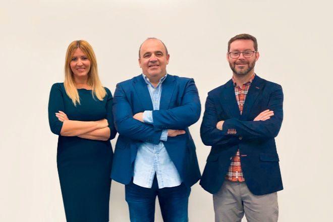 Silvia Escámez, Carlos Blanco y Marc Torres, fundadores de Finteca.
