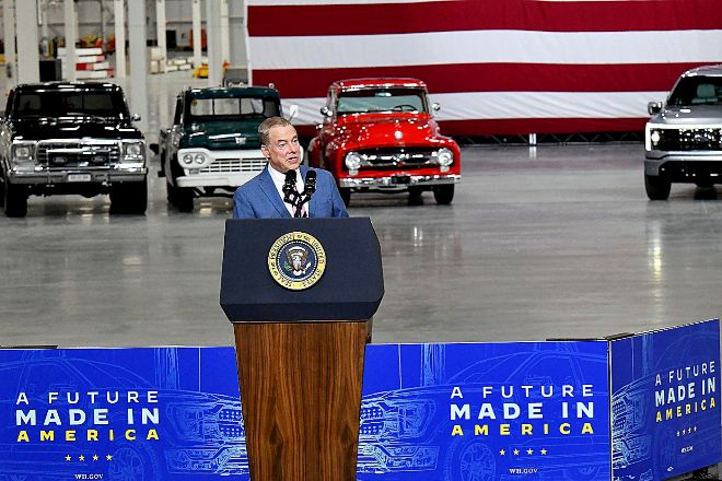 Bill Ford, bisnieto del fundador, actual presidente de la compañía, en la presentación de la F-150 Lightihng, primera 'pick up' eléctrica de la compañía.