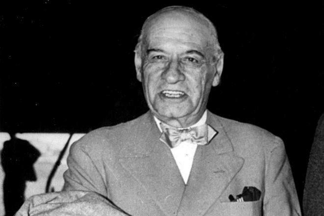Ortega y Gasset regresó a España en 1945, donde falleció diez años después.