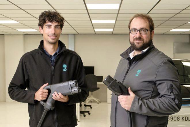 Eduard Castañeda y Enric Asunción, cofundadores de Wallbox, firma de cargadores para coches eléctricos que ha comenzado a cotizar en la Bolsa de Nueva York.