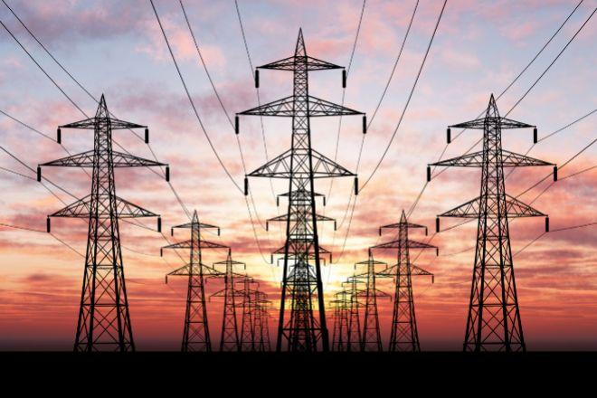 Una avería en la red eléctrica deja sin luz a cientos de miles de hogares en toda España