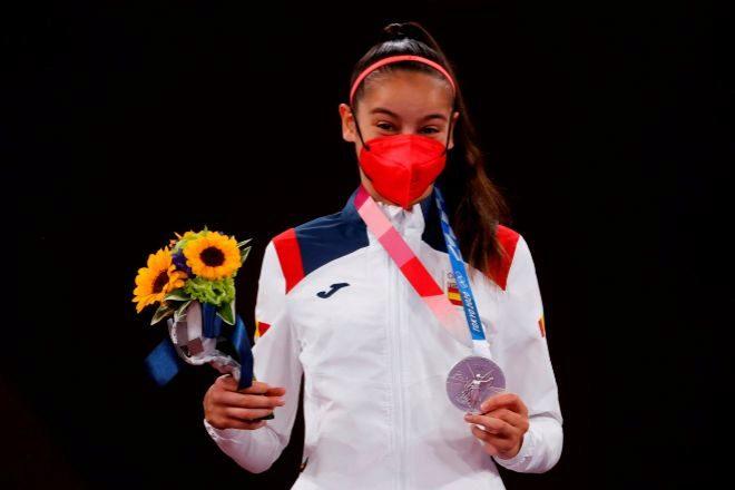 Adriana Cerezo, de apenas 17 años, ha inaugurado el medallero español con su plata en la categoría de -49kg femenina de Taekwondo.