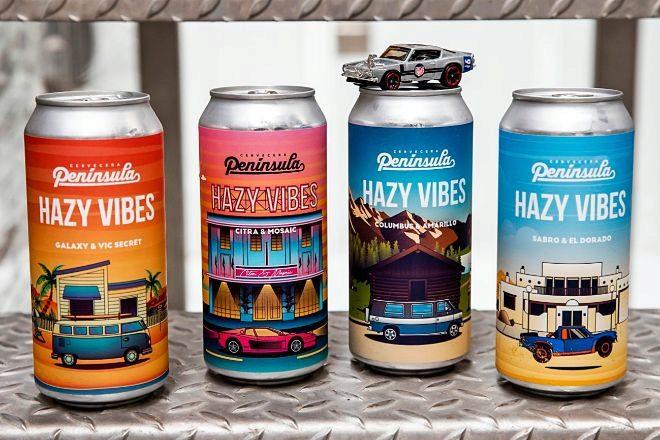 Las cerveceras artesanas de Península destacan por el diseño de las etiquetas de sus latas.