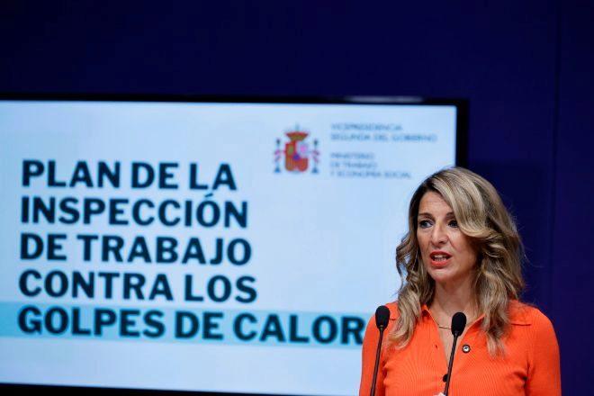 La ministra de Trabajo, Yolanda Díaz presenta el plan de actuación frente al golpe de calor.