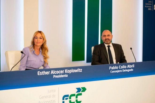 Esther Alcocer Koplowitz es la presidenta de FCC y Pablo Colio el consejero delegado.