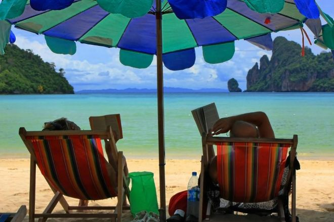 Si enfermo en la playa, ¿se consideran días de baja o de vacaciones?